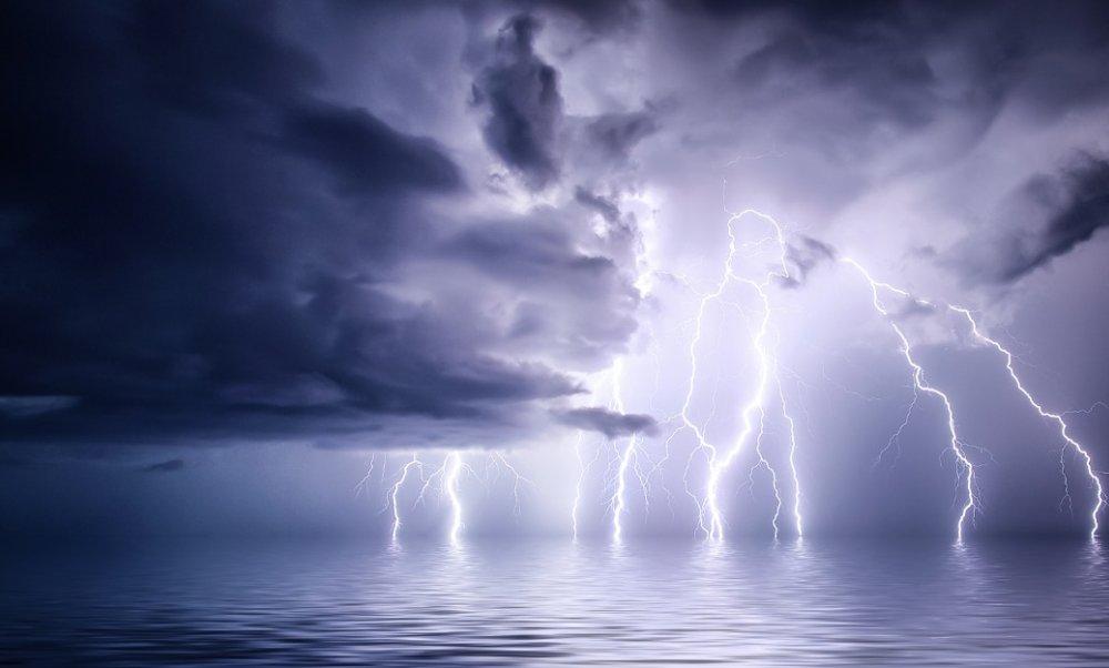 bright-lightnings-thunderstorm